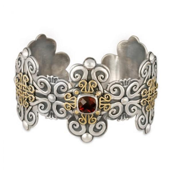 Shonifico Large cuff Bracelet