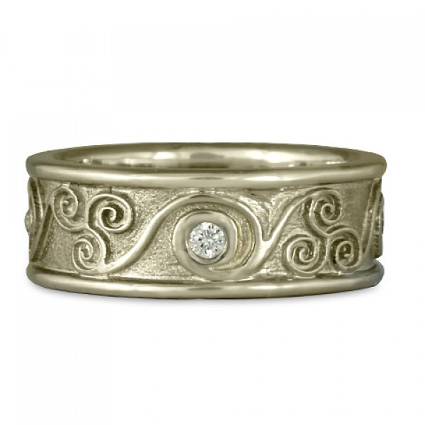 Bordered Triscali with Diamonds Ring in 14K White Gold