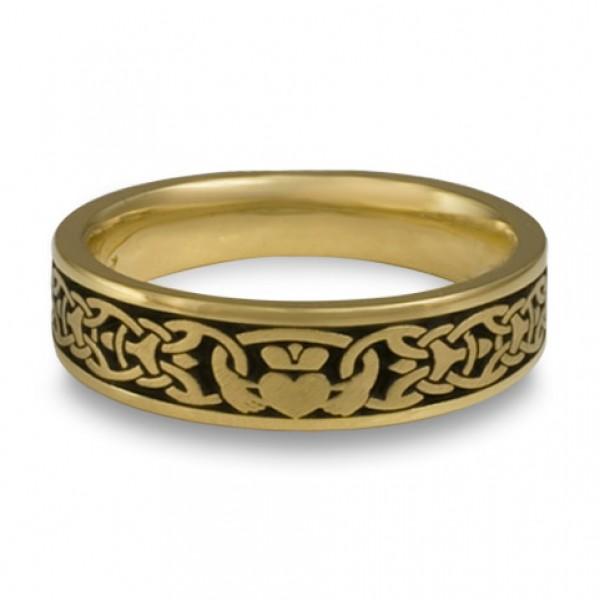 Narrow Claddagh Wedding Ring in 18K Yellow Gold