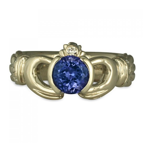 Claddagh Ring with Sri lankan Sapphire